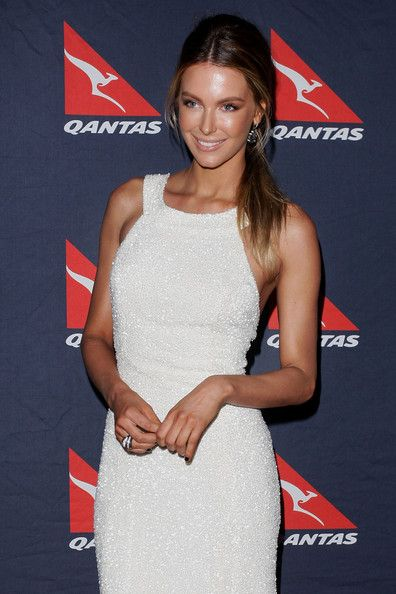 Jennifer Hawkins Photos - Qantas 90th Anniversary Gala Dinner - Zimbio