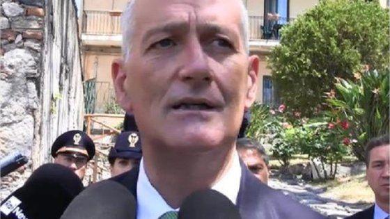 """Il capo della polizia traccia un bilancio più che positivo della gestione dell'ordine pubblico durante il vertice in Sicilia e attacca il corteo degli antagonisti: """"Esercizio di imbecillità da persone improponibili"""""""