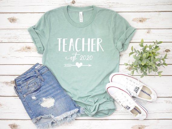 Cute New Teaching Quote Graduation Gift Teacher Est 2020 Camiseta