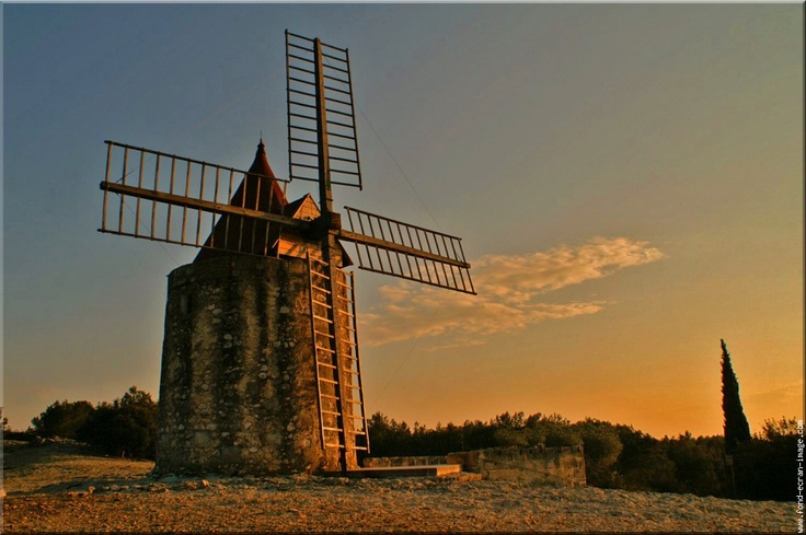 """Le moulin d'Alphonse Daudet (Fontvielle) -called Daudet's Windmill as it inspired writer Alphonse Daudet's """"Letters from My Mill"""". Near Avignon and St. Remy, France #Provence"""