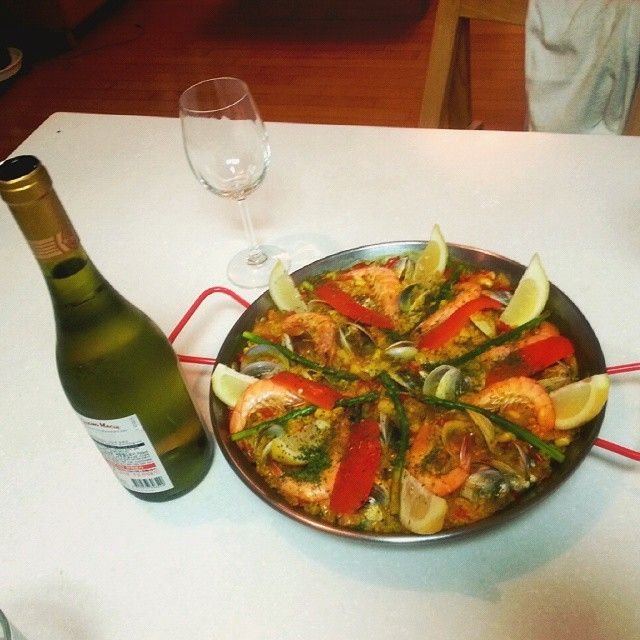 i made this paella for parents day for my parents in last year. but this year..... #parents #parentsday #paella  #chardoney #spanish_food #familytime