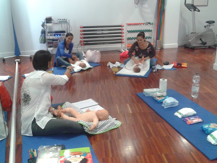 Clases grupales de masaje infantil