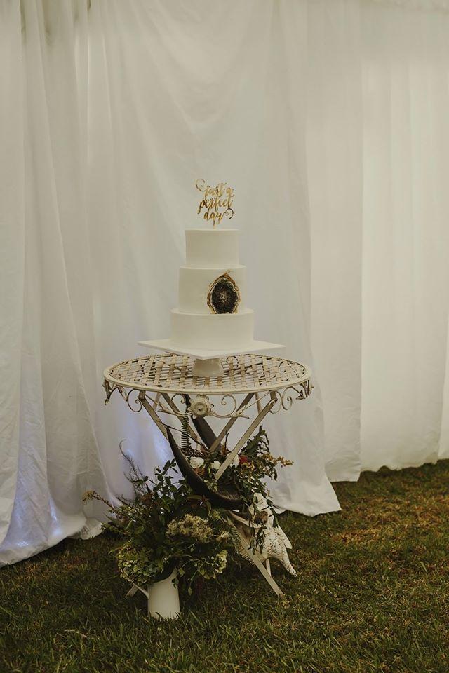 Rosy Cakes - Jessica Atkins using sugar crystals for the extraordinary  Wedding cake at Liddington Gardens with wedding designer Susi Liddington Creative