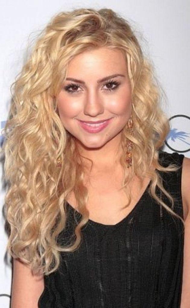 Blonde Dauergewelltes Haar Frisuren Frisuren Modelle Peinados