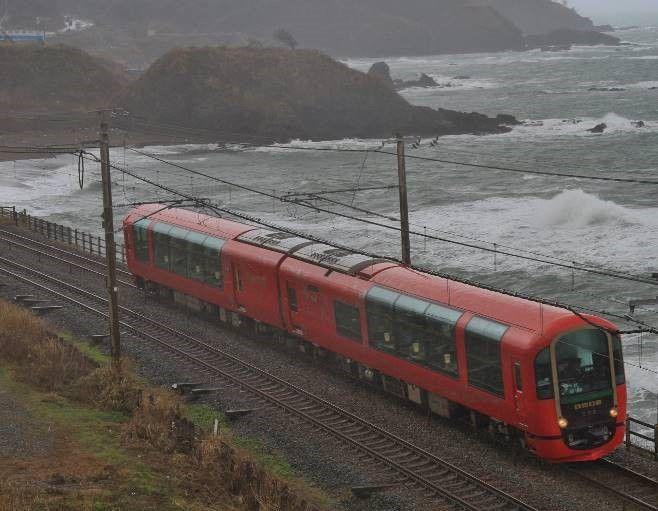 えちごトキめきリゾート雪月花JR東日本乗り入れ | えちごトキめき鉄道株式会社