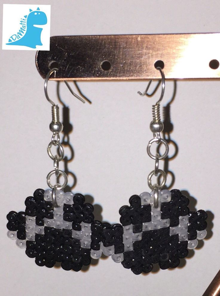 Un preferito personale dal mio negozio Etsy https://www.etsy.com/it/listing/264871838/orecchini-soggetto-zampa-hama-beads