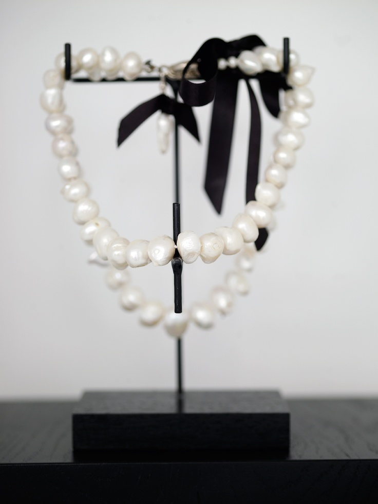 Karin Meyn | Pearl necklace