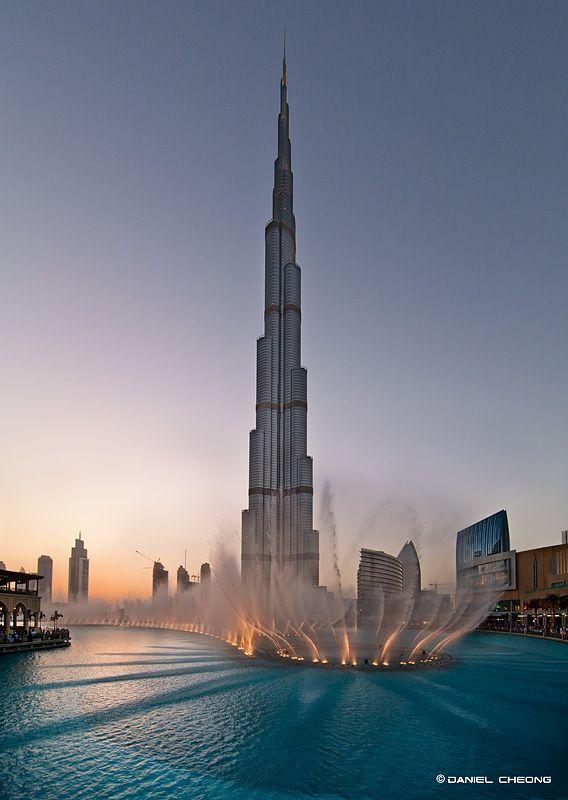 Dancing Fountains (Dubai) by Daniel Cheong on 500px