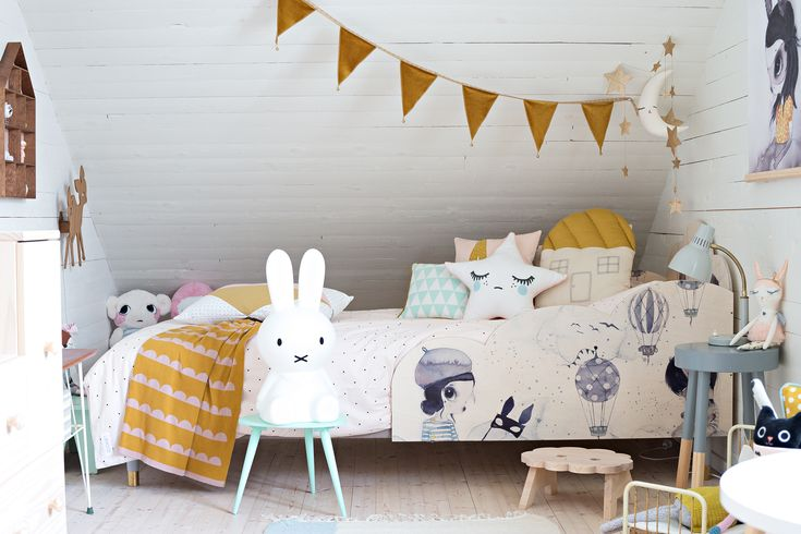 Meet our new Pretty & Mighetto BED PANELS - the perfect fit for your #ikea box spring bed (90 cm width) to help keep the kids safe and tight at night! Available in our webshop. Illustrations by: Mrs Mighetto Styled by: Willieandmilie  Webshop: Little_venue & Prettypegs  Photo credit: Cicimoller