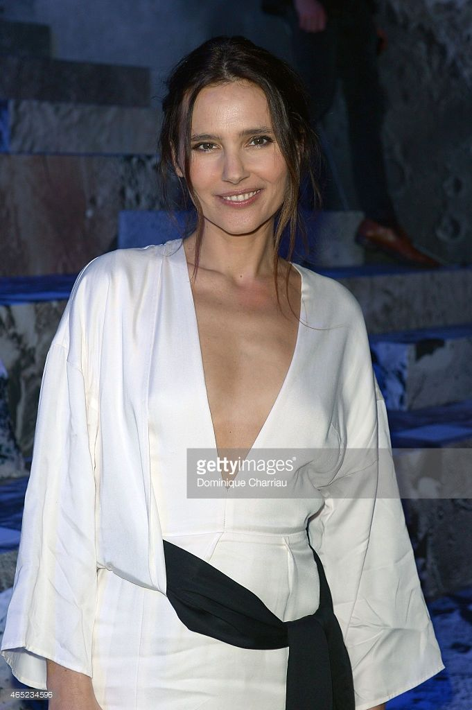 Photo d'actualité : Virginie Ledoyen attends the H&M show as part of...