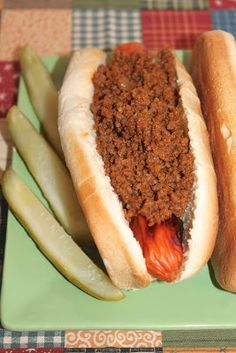 A recipe for Grandpa's hot dog sauce (chili) for summer
