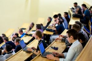 Les innovations technologiques sont-elles à l'origine des nouveaux rythmes et temporalités de l'université contemporaine?