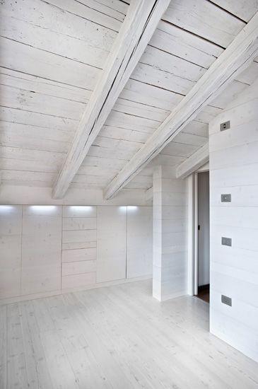 Larice Antico Cottage Breeze ANTICO E' Produzione di pavimenti in legno antico e nuovo, boiseries, scale, battiscopa.