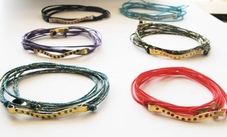 """Συνδυάστε τα, φορέστε τα μαζί και """"φωτίστε"""" κάθε σας μέρα!  Νέα Dot Collection Bracelets"""