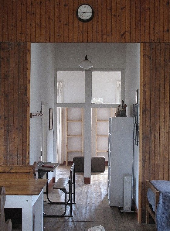 http://www.perfecthideaways.co.za/Details/The-Old-School-House