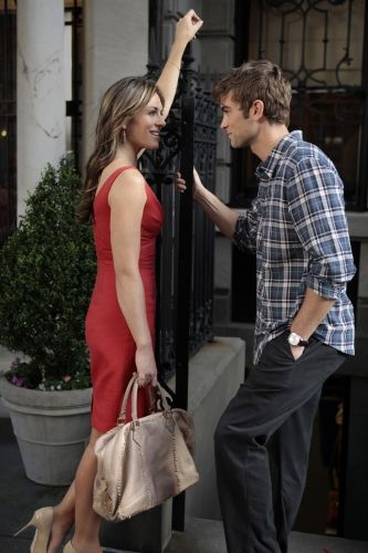 """Liz Hurley and Chace Crawford portray the characters of Diana Payne and Nate Archibald in the episode """"Beauty and the Feast""""......"""