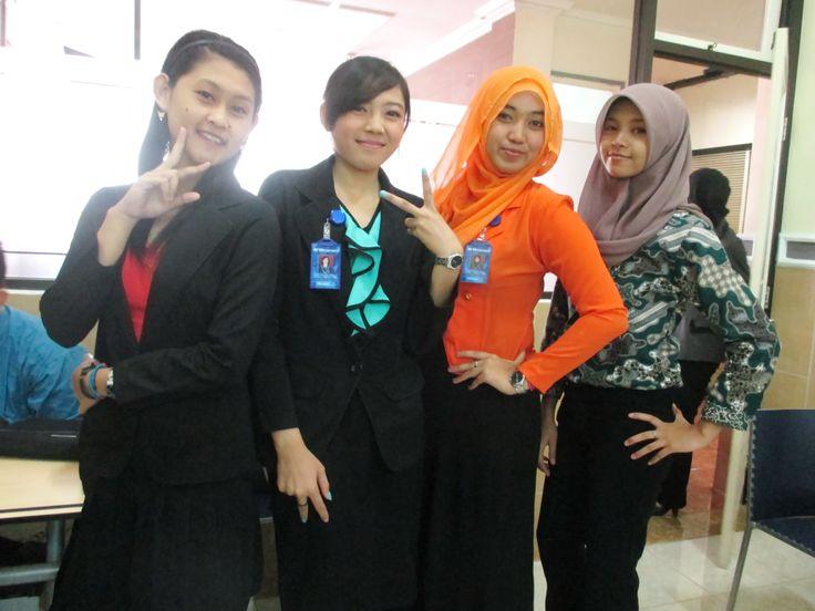 Kebersamaan Mahasiswi di kelas DCC