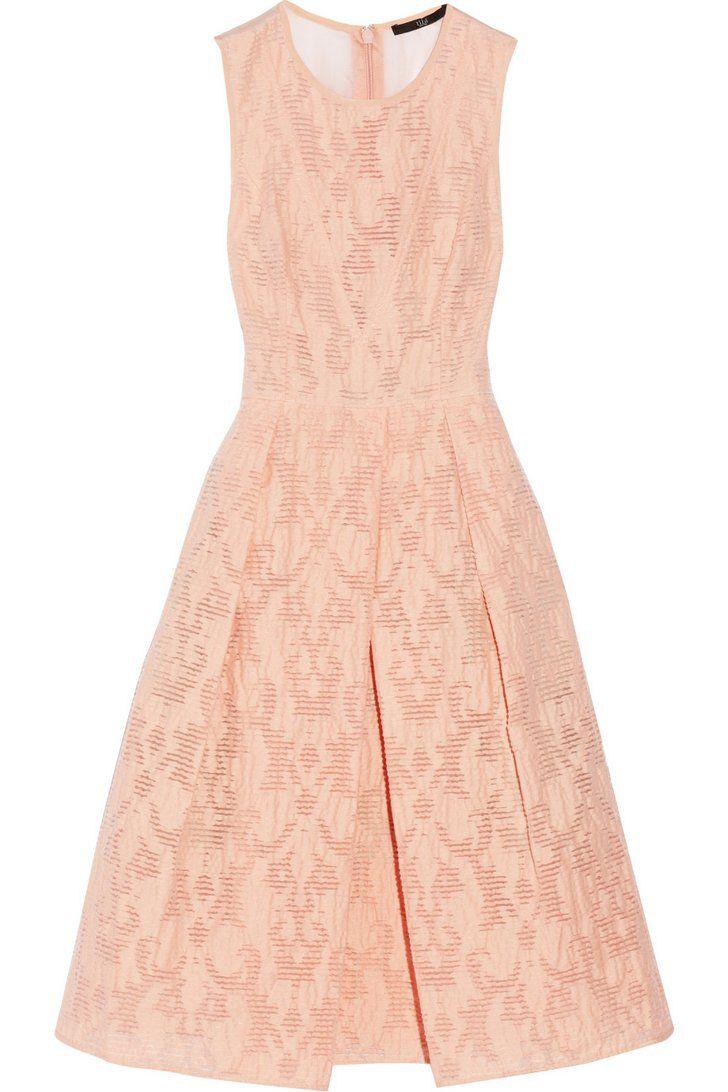Pin for Later: 24 robes d'été pour les mamans de la mariée ! Robe Tibi rose pâle Tibi Cotton-blend jacquard dress ($650)