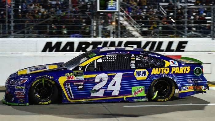 In-car audio at Martinsville picks up explicit words from Chase Elliott-Denny Hamlin wreck October 30, 2017 7:02pm EDT October 30, 2017 7:02pm EDT NASCAR Sprint Cup Series, English, NASCAR, Denny Hamlin Elliott and Hamlin had some words with each other after a late wreck at Martinsville and scanner sounds picked up additional comments.