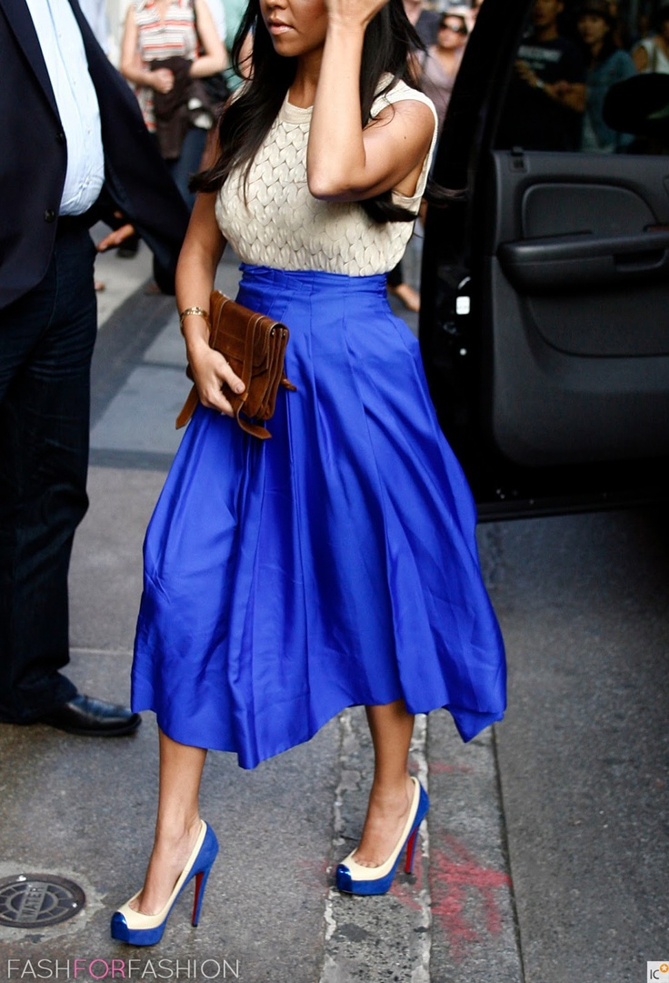 DRESS   /  SHOES      Kourtney Kardashian