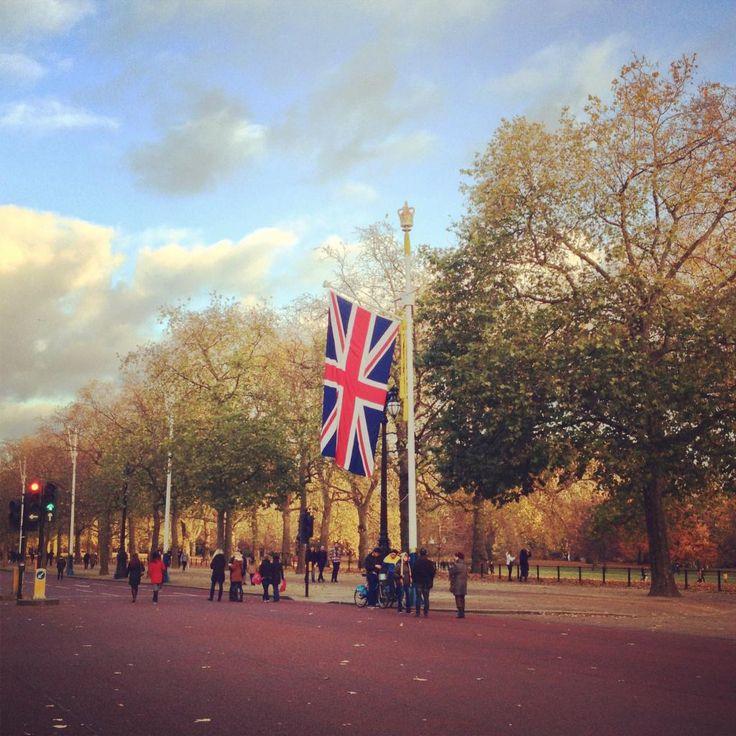 """Where To Next on Twitter: """"Christmas in London. https://t.co/CDK0eambtp http://t.co/ao8sFr4MhI"""""""