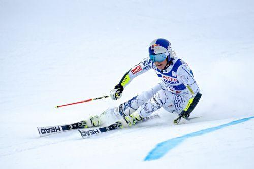 Lindsey Vonn vince anche il gigante di Åre, Federica Brignone terza con una scapola dolorante