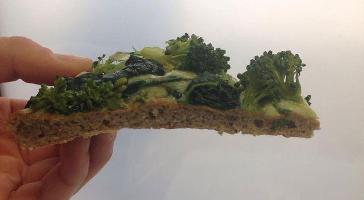 Una cosa facile facile..fare la pizza con la segale. Mica pizza e fichi!  http://www.ditestaedigola.com/13407/