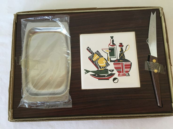 Vtg Mid-Century Modern Wood Cheese Board Snack Tray w Porcelain Trivet Knife NOS