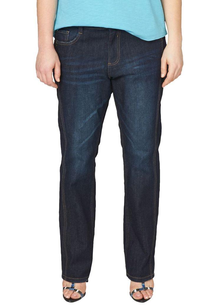 """Stretch-Jeans Stylisch vorverlegte Seitennaht. Authentische Waschung mit Sitzfalten-Effekten in der Waschung. 5-Pocket-Form mit Reißverschluss. Figurbetonte Passform """"Kurvig"""" mit leicht vertieftem Bund und schmalem Bein für eine ausgeprägte Hüfte, einen runden Po und stärkere Oberschenkel. Griffige Denim-Qualität aus Baumwollstretch. Die vorverlagerte Seitennaht verleiht Ihrem Outfit individuel..."""