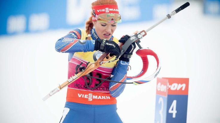 IMPONERT: Verdenscupleder Gabriela Soukalova var godt fornøyd etter sin egen 4. plass på sprinten. Hun var også fornøyd med at Tiril Eckhoff vant og Ole Einar Bjørndalen tok sølv.  Foto: Bjørn Langsem / Dagbladet