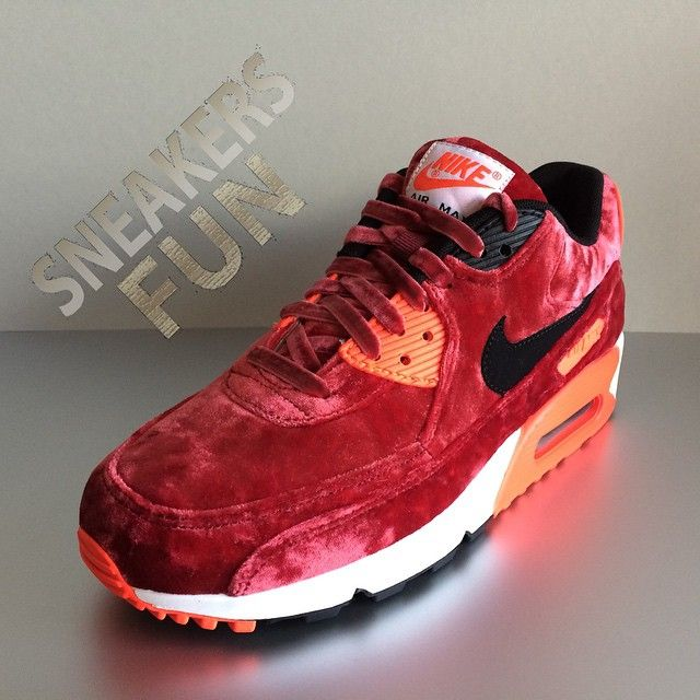 Nike celebrates the 25th anniversary of the Air Max 90 with this wmns Red Velvet release.  SOLD OUT #InstaSize #instakicks #redvelvet #redshoes #red #chicksinkicks #25anniversary #25 #beautiful #streetstyle #girlsheartsneakers #hilversum #nl #airmax1 #airmax90 #airkicks #sneakerchick #sneakernl #sneakerporn #airmax #velvet
