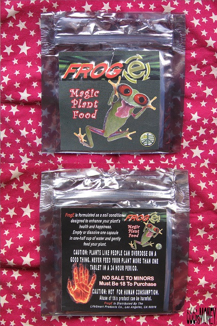 "Friend said FrogE was mimic cocaine but a little research makes me think this stuff is Mephedrone, a mimic Ecstacy hence, the ""E"" in ""Frog E"".  Here's a link to a drug forum about Mephedrone. Lick a #frog #drugs #High #SUPERHIGH"