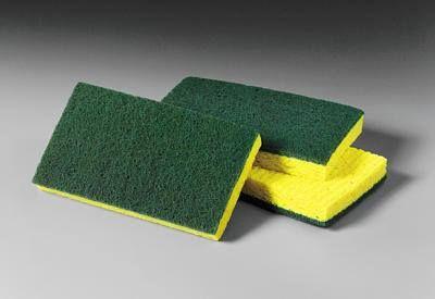 Sabem aquela esponja que é amarela e verde, e que o um lado verde é bem grossa, pois é... Ela é óptima para tirar aquelas bolinhas tão indesejadas das roupas de lã, é só ir passando o lado verde na roupa que as bolinhas vão desaparecendo, e o bom que é rapidinho,