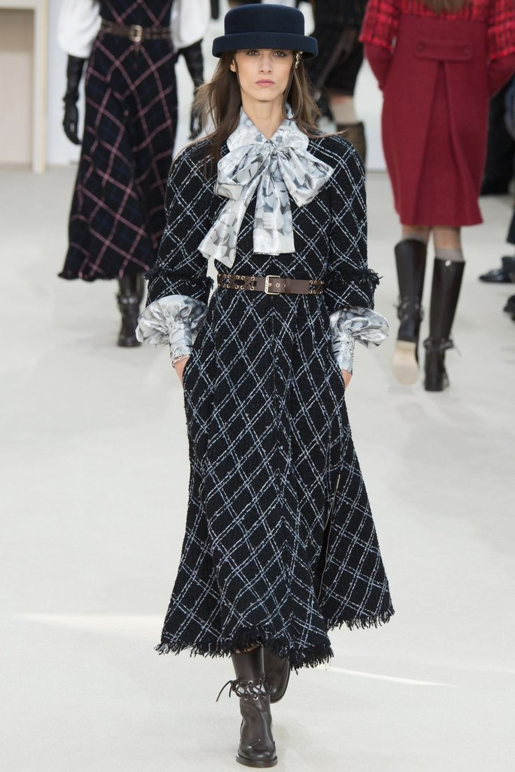 Chanel, Look #25