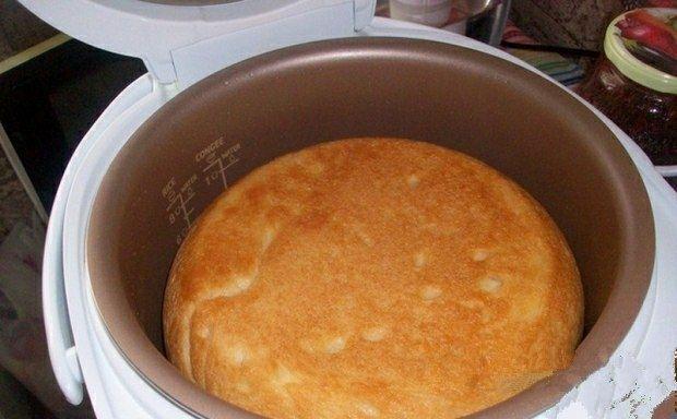 Фото к рецепту: Белый хлеб в мультиварке.