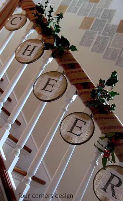 Painted burlap stretched in a metal embroidery hoop - for the stairs: Idea, Christmas Decor For Staircases, Metals Embroidery, Christmas Decor Staircases, Burlap Stretch, Embroidery Hoops, Paintings Burlap, Front Porches, Christmas Staircases