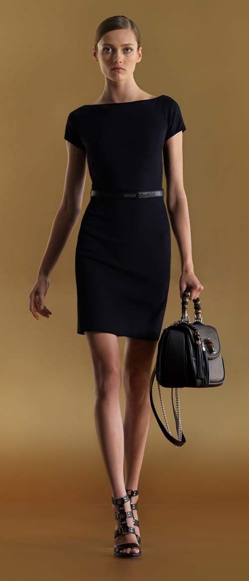 Gucci-siyah kuşaklı-tekne-boyun-elbise-1