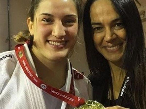 Gaúcha Mayra Aguiar ganha o ouro em Paris pela segunda vez