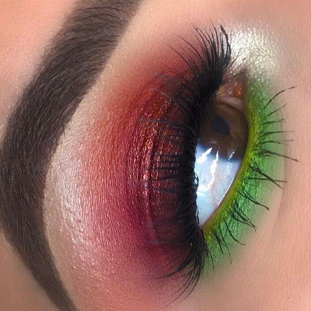 Colorful #EyeShadow Makeup Look #BeautyBar