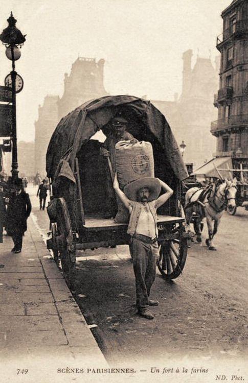 Un fort à la farine, aux Halles, Paris, 1900's