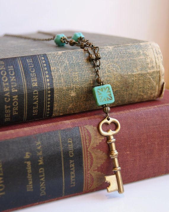 Brass Key Necklace Skeleton Key Necklace Czech Glass Necklace Antiqued Brass Streampunk Key Skeleton Key Jewelry Starburst