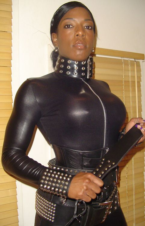 Pin Auf Ebony Leather Women-4686