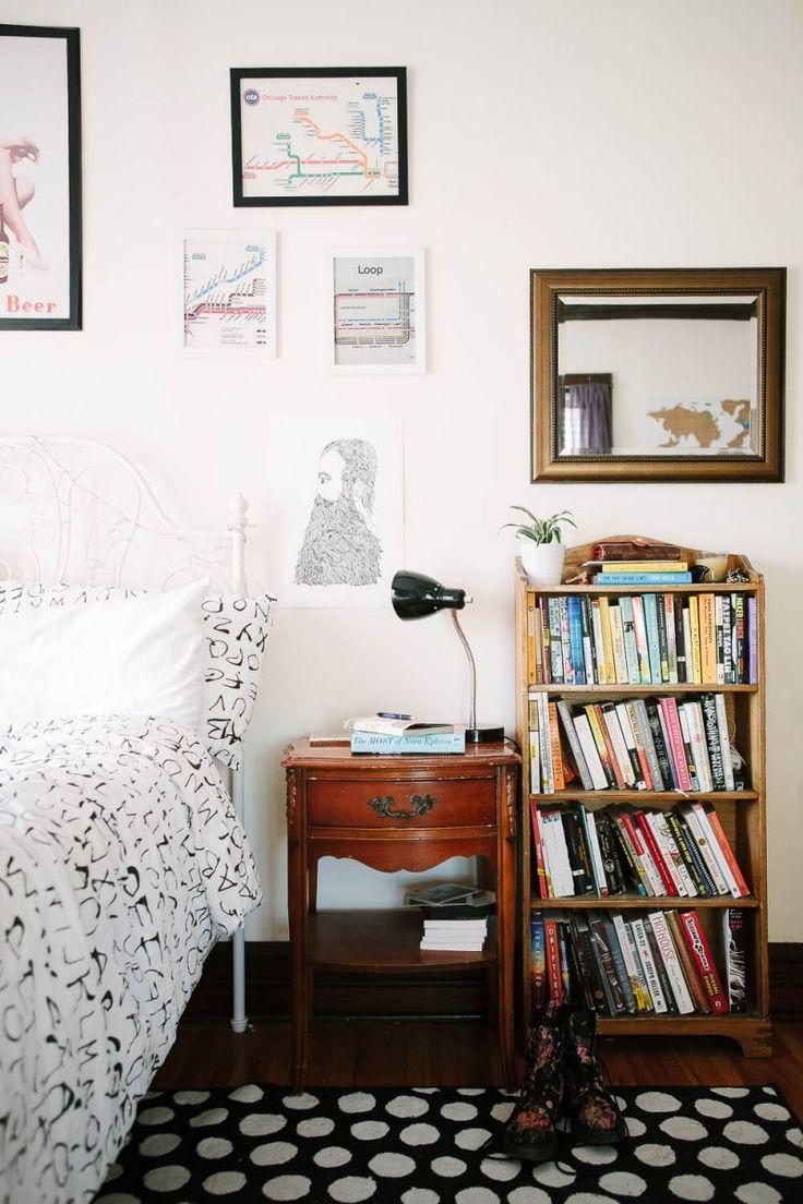 I would love a bookshelf in my room...