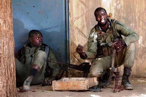 11 militaires tués dans une attaque jihadiste dans le nord du Mali - http://www.malicom.net/11-militaires-tues-dans-une-attaque-jihadiste-dans-le-nord-du-mali/ - Malicom - Toute l'actualité Malienne en direct - http://www.malicom.net/
