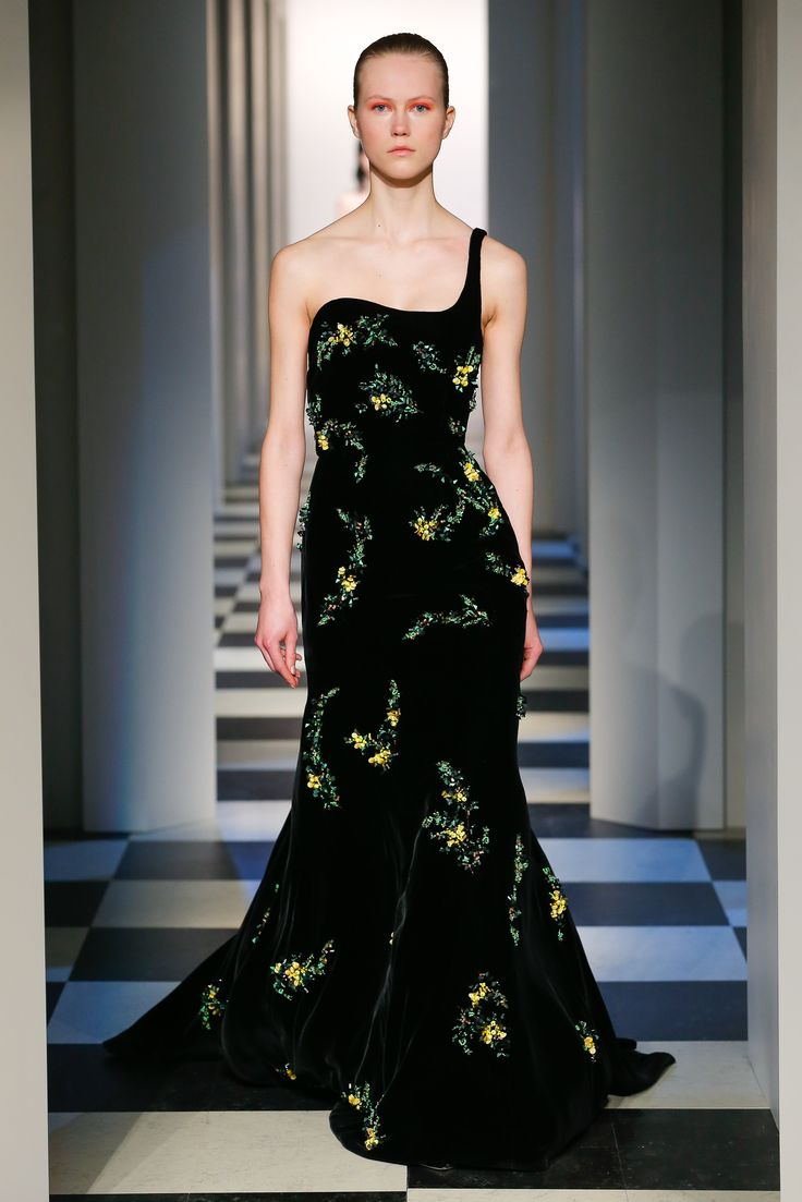 Here See Every Look From The New York Fashion Week Oscar De La Renta Fall 2017 Runway Show