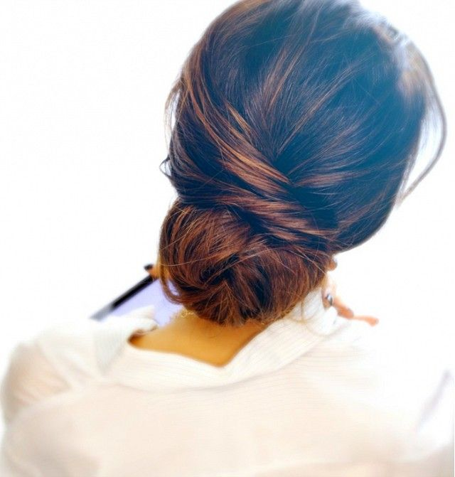 7+Humidity-Proof+Hairstyles+to+Wear+All+Season+Long+via+@byrdiebeauty