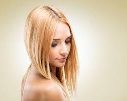 Bildergebnis für elöl hosszú hátul rövidebb frizura