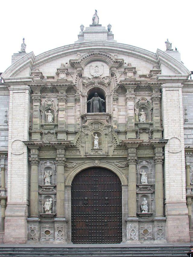 Frontispício da Catedral de Lima, Peru - Arquitetura Renascentista.