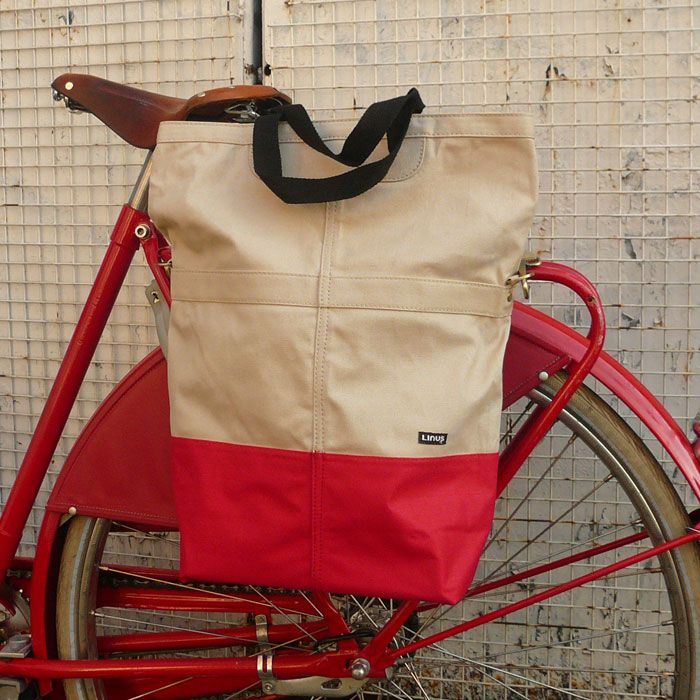 Linus Sac pannier in red dipped canvas. On and off the bike, yes please.
