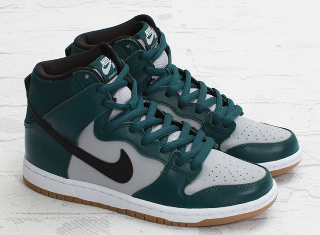 "Nike SB Dunk High ""Dark Atomic Teal"" (Another Look)"